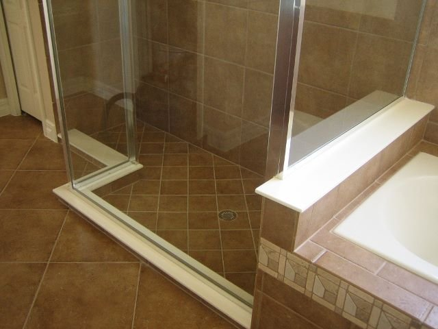 shower-curb-and-wall-cap-640x480